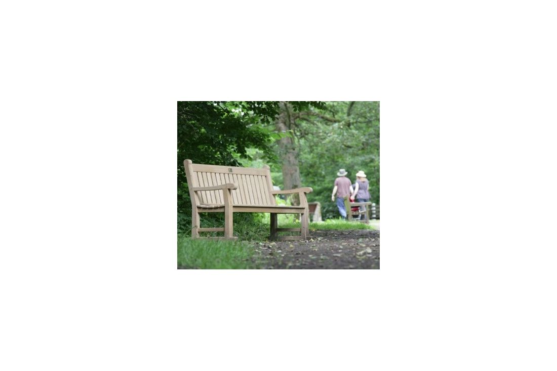 Hampton 1.8m oak bench FSC