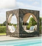 Med rattan daybeds & Sun loungers